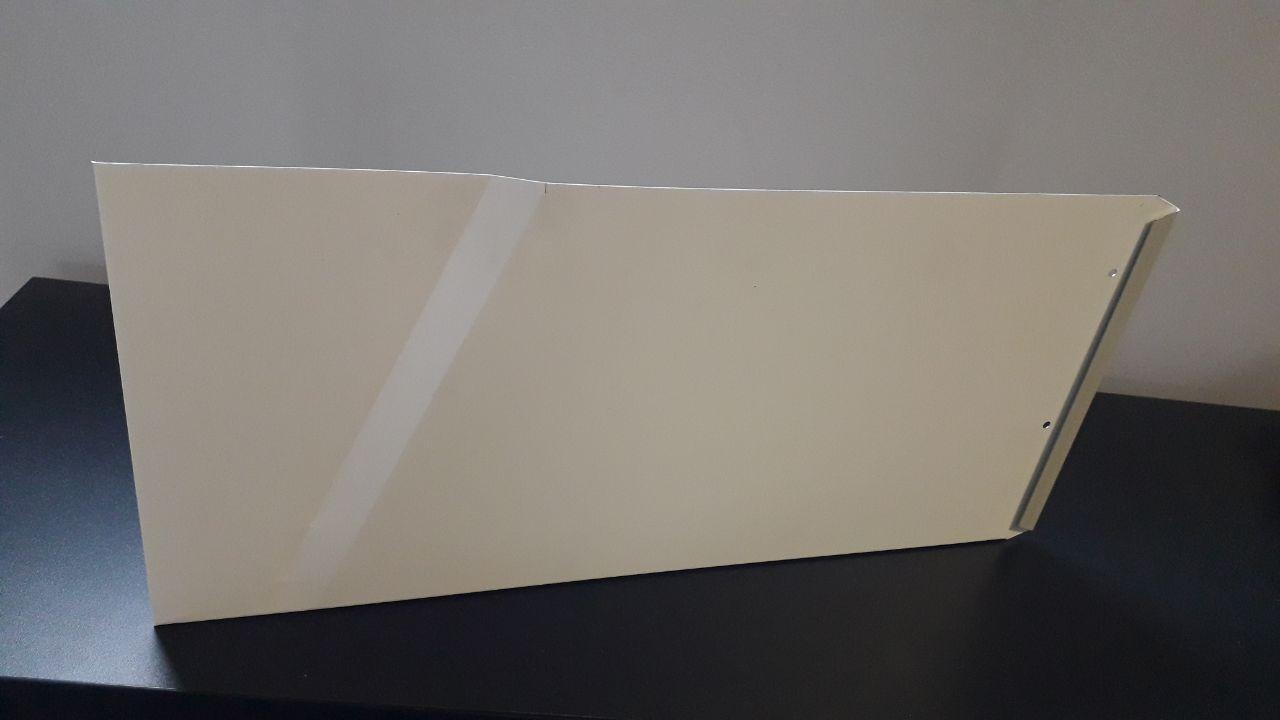 panel Staccato z ukośnym przetłoczeniem powierzchni głównej